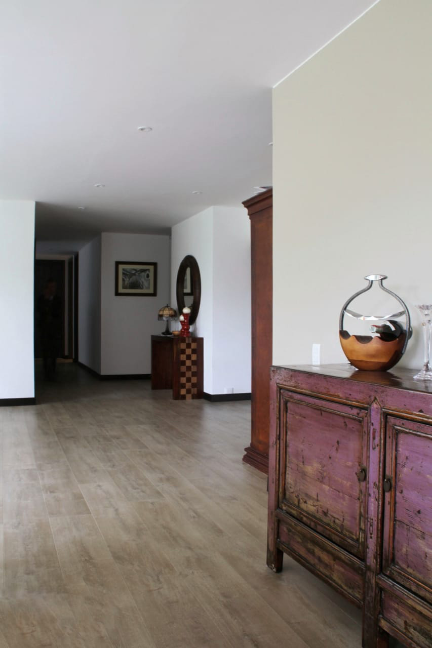 High Specification Laminate Wood Flooring - Beach City Oak